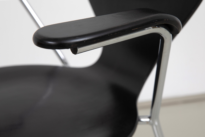 Denmark Esszimmerstühle schwarz eames
