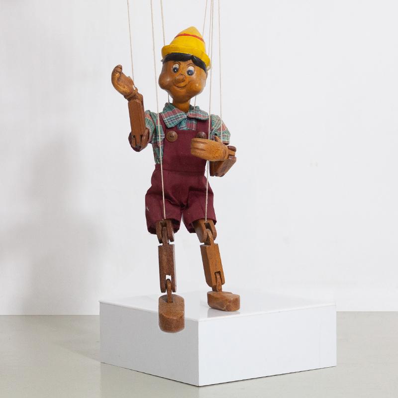 Handgeschnitzte Pinocchiofigur Marionettenfigur