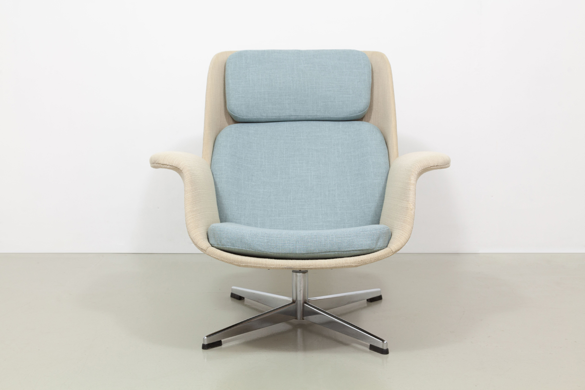 Olli Borg Lounge Chair