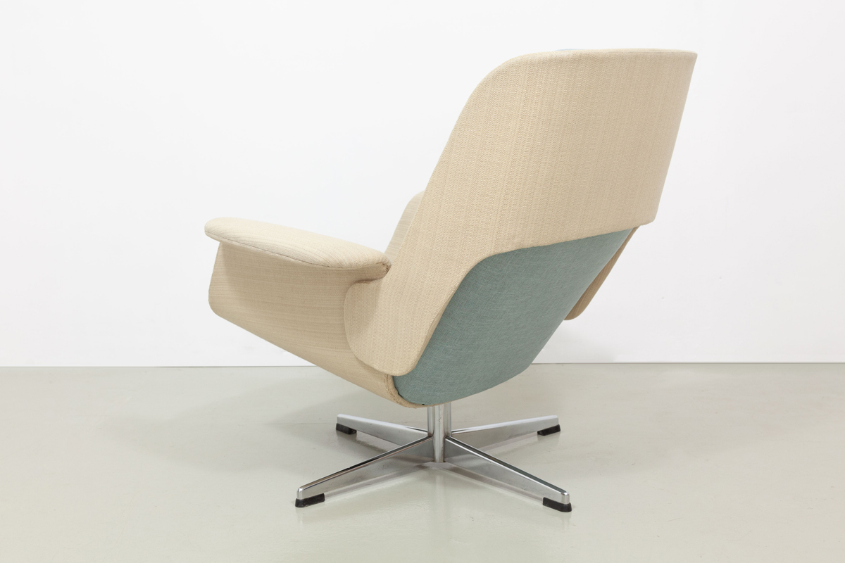 Asko Lounge Chair Ottomane