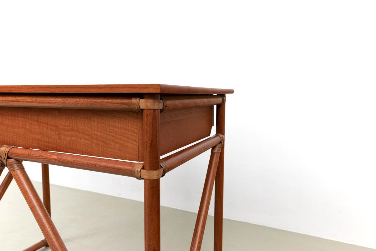 Bambus Tischbeine Lederbindung Schreibtisch