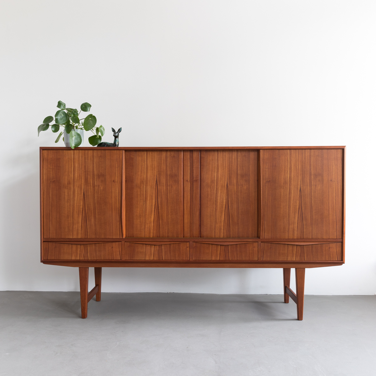 Teak_Highboard_HW_Bach1