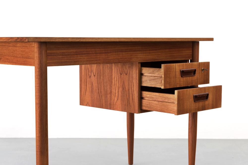 Team Schreibtisch Schubladen restauriert