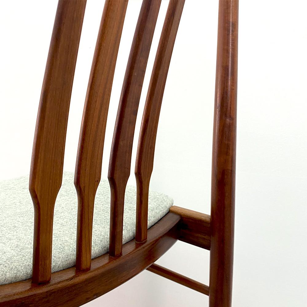 Teakholz Möbelwolle restauriert Stühle