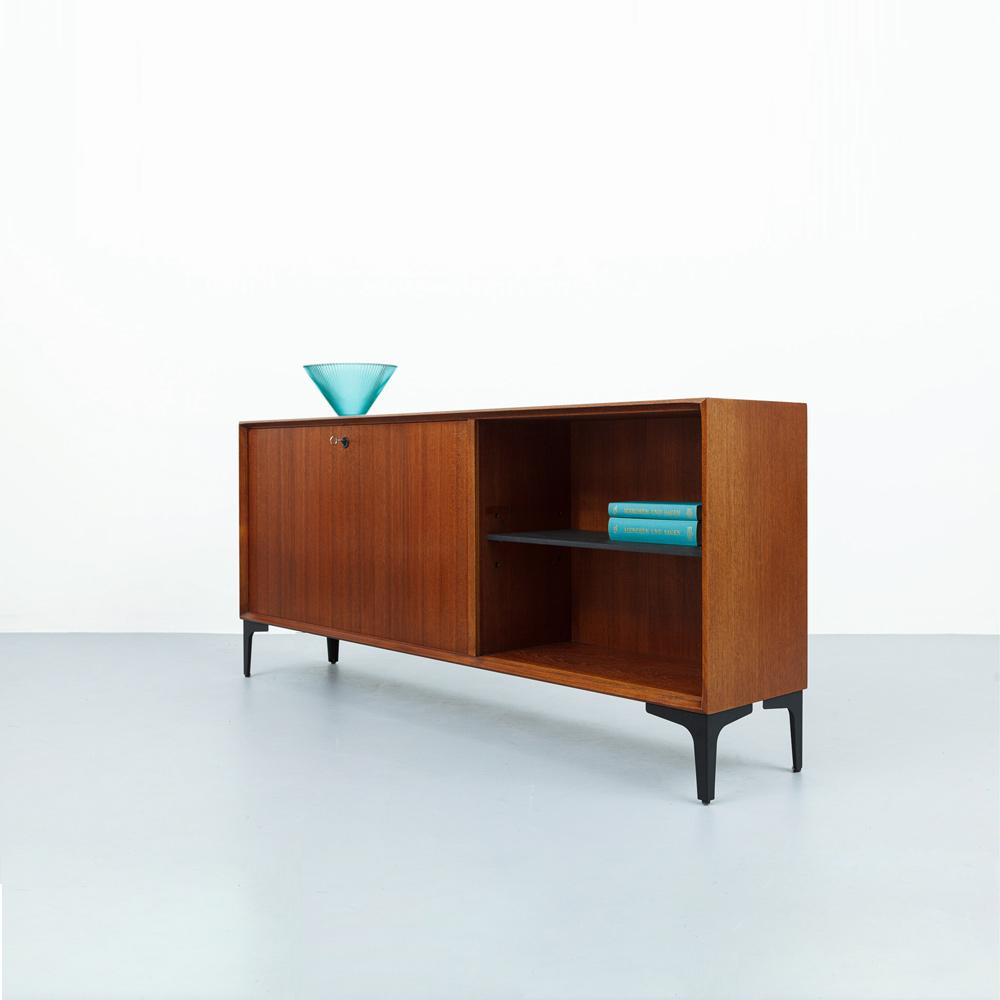 renz_sideboard_vintage_designklassiker