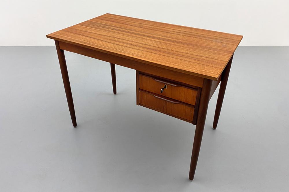 elegant Schreibtisch teak 60er