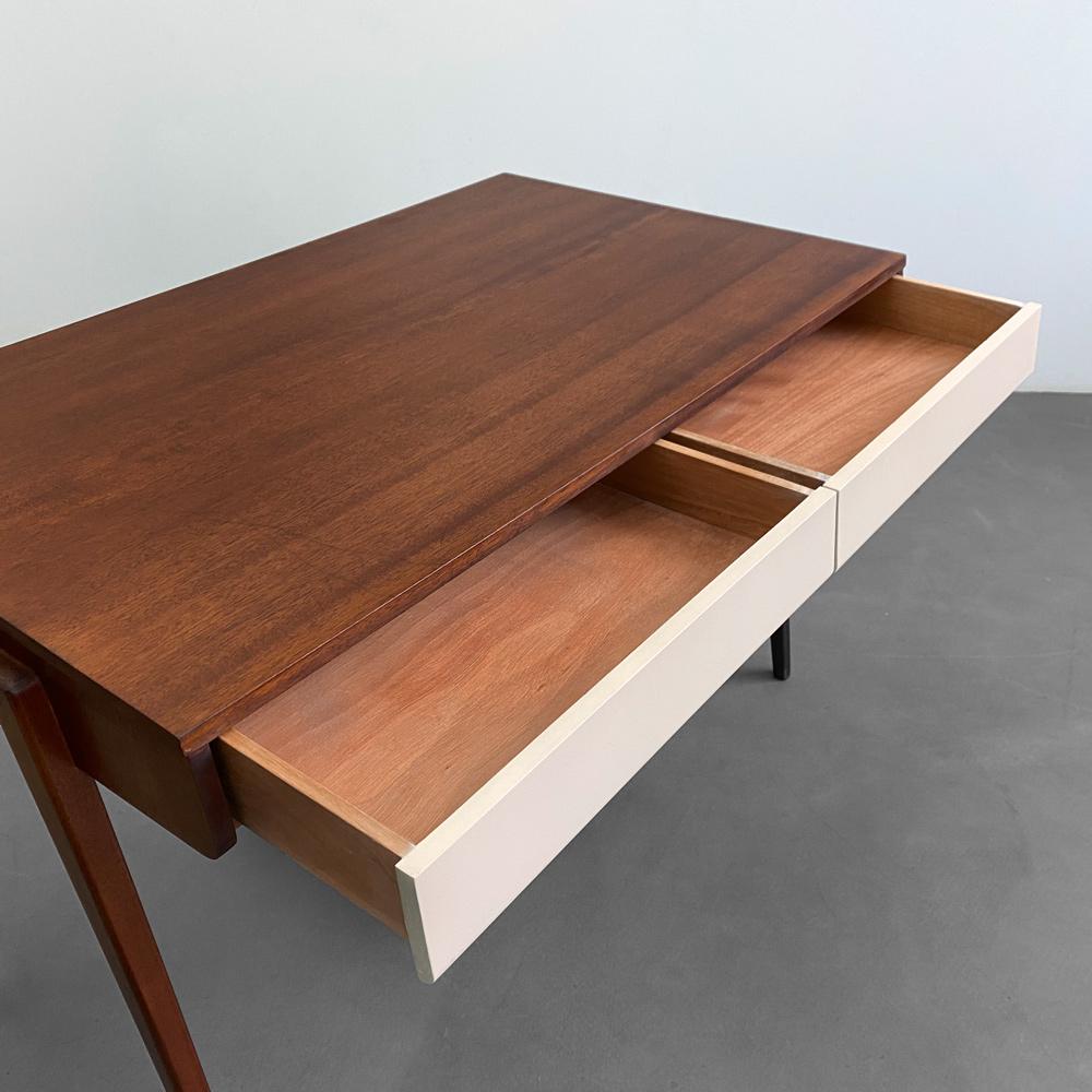 Schreibtisch Schubladen Nussbaum Vintage