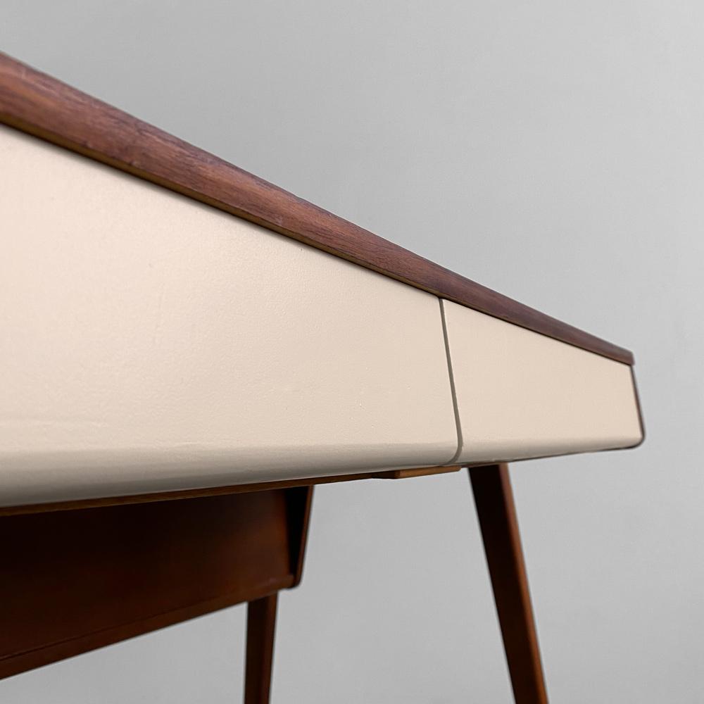 Schreibtisch Schubladen 60er designklassiker