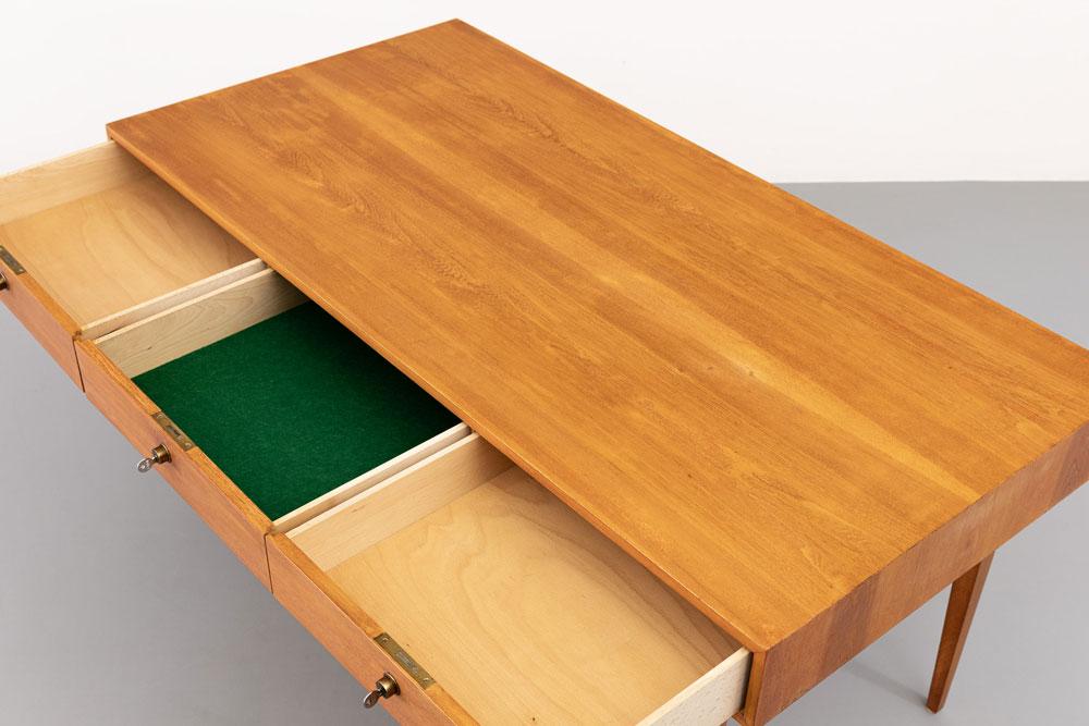 Schreibtisch, Schubladen, restauriert, vintage