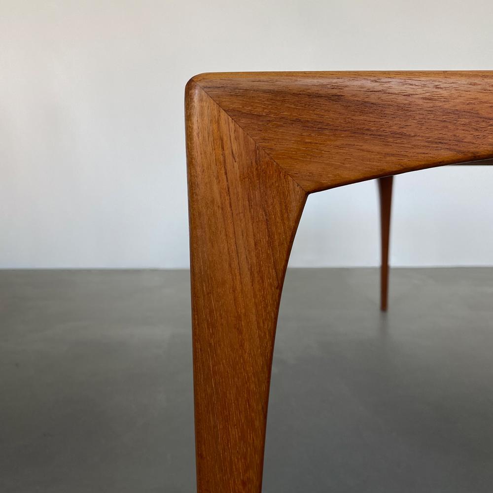 Gehrung Mid-Century Tisch Teakholz