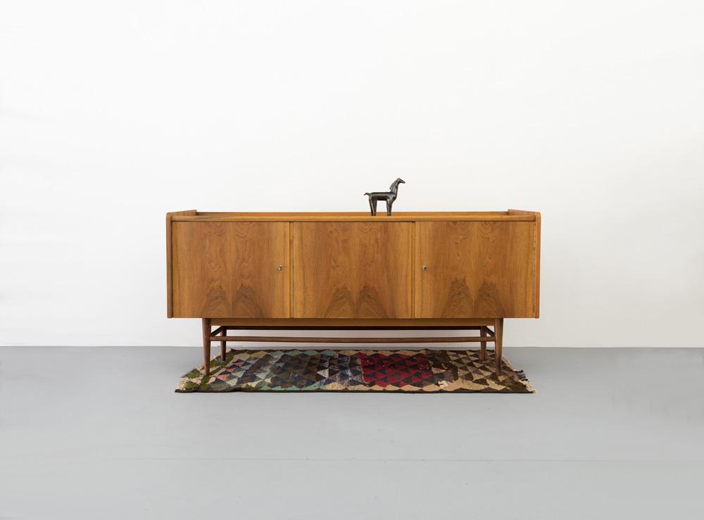 Vintage Sideboard in Nussbaum, 50er Jahre