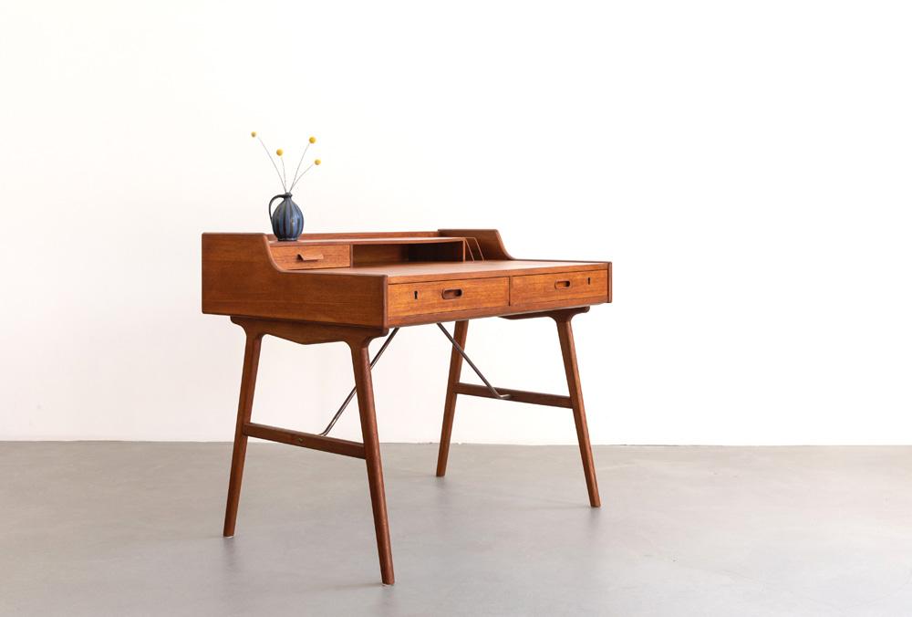 50er Jahre Schreibtisch, Arne Wahl