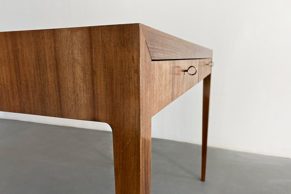 kleiner Schreibtisch midcentury Nussbaum