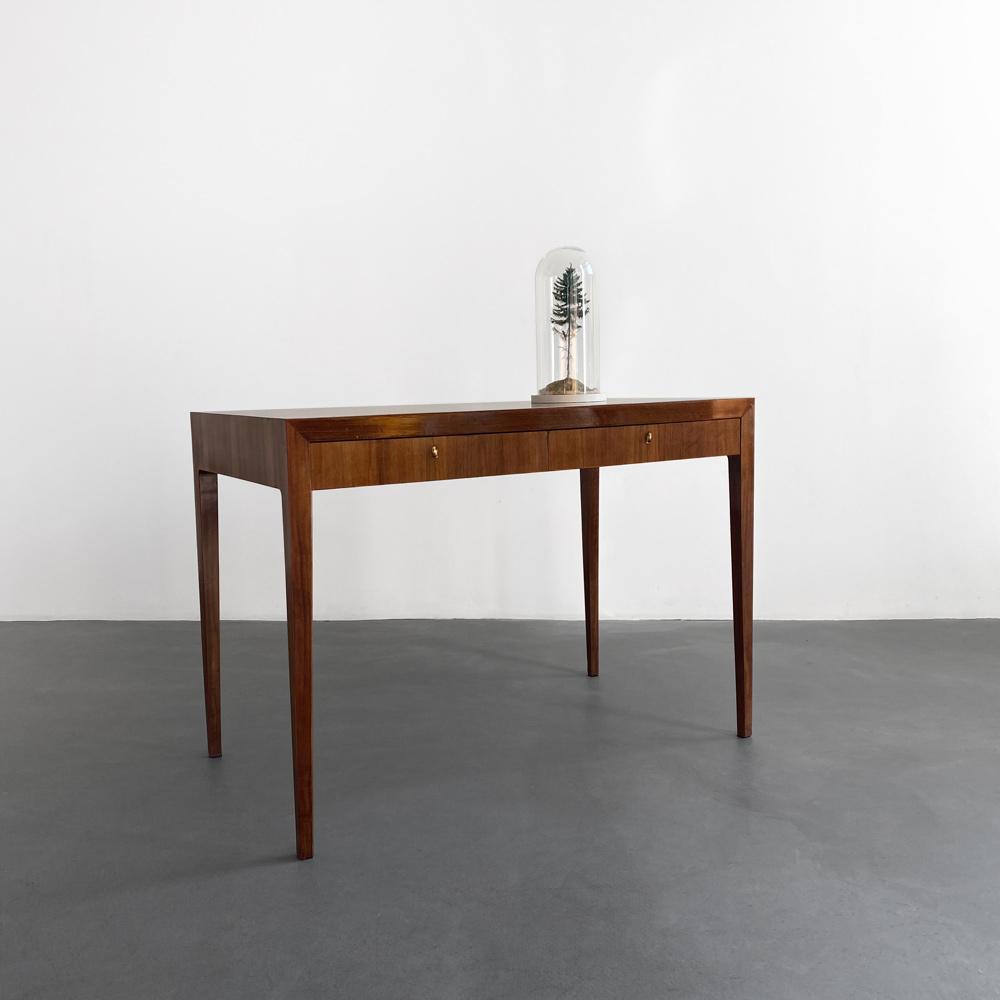 60er Jahre Schreibtisch Nussbaum