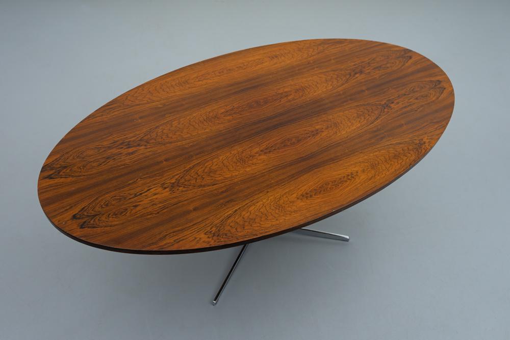 Ovale Platte 50er Jahre Esstisch