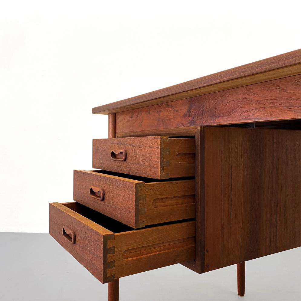 50er Vodder Schubladen Schreibtisch